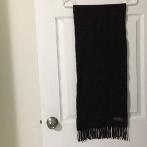 The best quality lambswool ESPRIT black scarf